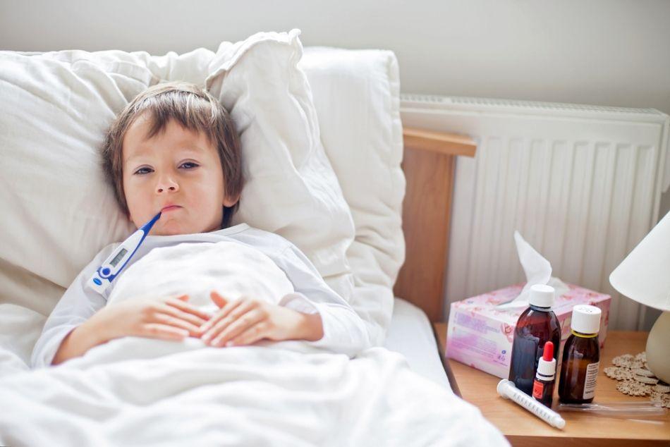 Risk gruplarına dikkat! • Çocuklar • Yaşlılar • Nörolojik rahatsızlığı ve yutma bozukluğu olan kişiler • Kas hastaları ve yatağa bağımlı hastalar • Astım, KOAH, amfizem, bronşiektazi, akciğer kanseri ve fibroz gibi solunum yolları ve akciğer doku hastalıkları bulunanlar • Kanser ve AIDS hastaları gibi bağışıklık sistemi düşük olan kişiler